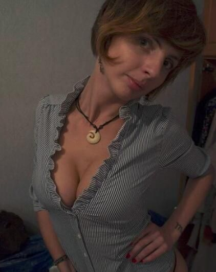 busty babes video free